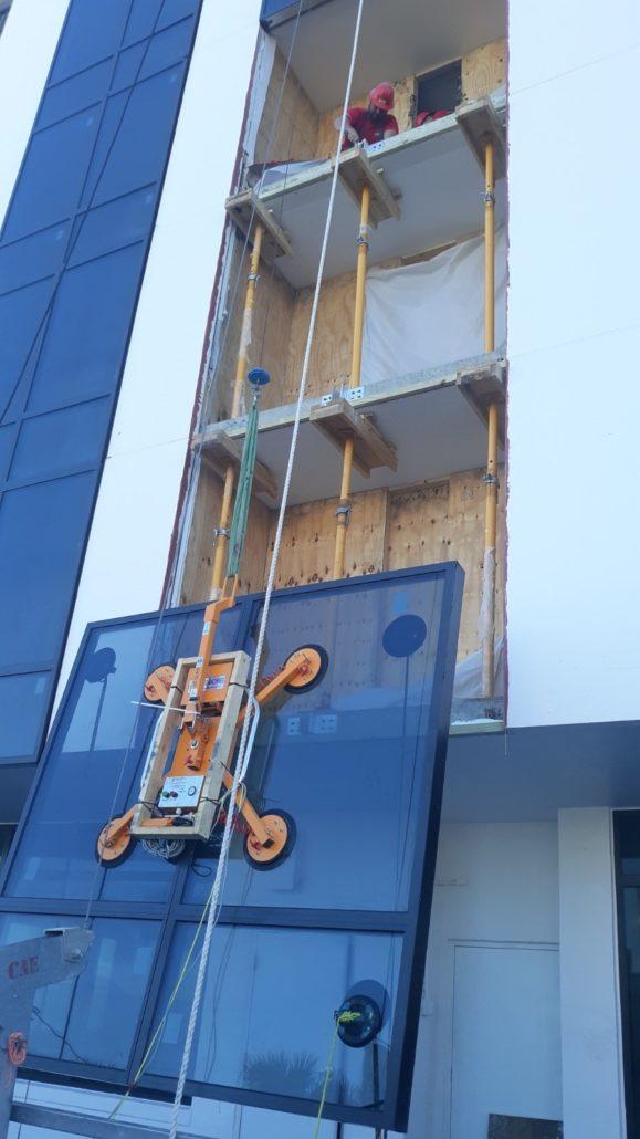 Abaco AVL Glass Lifter